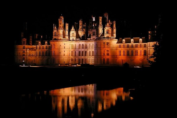 Photo de nuit du chateau de Chambord