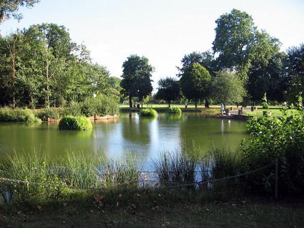 victoria-park-london